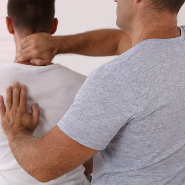 Chiropractic,/,Osteopathy,Treatment,,Back,Pain,Relief.,Physiotherapy,For,Male